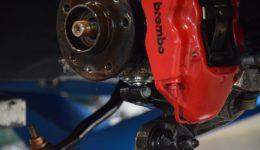 ダブルアクスル・ストラットの修理<br>メガーヌ3RS サスペンション修理