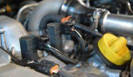 イグニッションコイルのカプラ交換<br>ルノーのあるあるトラブル事例