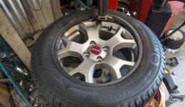 タイヤ交換作業が増えています。
