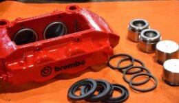 ルーテシア3RS シャーシカップ風ブレーキ<br>ブレンボキャリパのオーバーホール