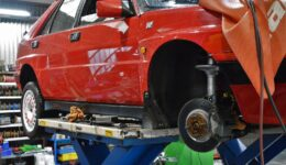 ランチアデルタの車検点検作業