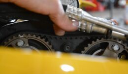 106s16 タイミングベルトはココに注意<br>中古車販売車両の作業-8