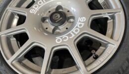 Sparco TERRAにタイヤ組付け作業<br>MICHELIN Primacy 4